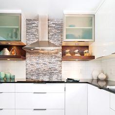 Cuisine moderne avec comptoir de quartz facile d 39 entretien for Changer la couleur de sa cuisine