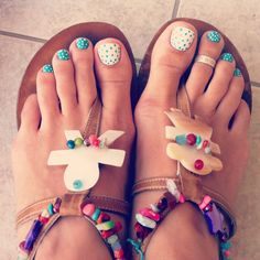 Summer nails 2013 part 2 -- Cute polka dot toenails.