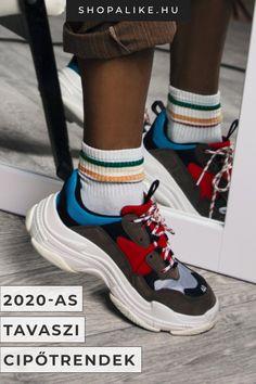 A tavaszi cipődivat 2020-ban szerencsére sok lehetőséget kínál a változatos időjárás túléléséhez. A sorban egyaránt megtalálhatóak a sportos creeper cipők és sneaker-ek, valamint a nőies balerinák és törpesarkú körömcipők. A loaferek az irodai eleganciát képviselik, a csizmák pedig a hűvösebb napokon jönnek jól. Most mutatunk neked 7 kényelmes, de rendkivül divatos tavaszi cipőt! #cipődivat #stílusvilág #nőicipő #tavaszidivat #cipődivat2020 #tavaszicipő Air Max Sneakers, Sneakers Nike, Jeffrey Campbell, Nike Air Max, Asos, Ankle Boots, Outfit, Naruto, Fashion