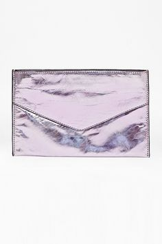Everyday Clutches For When You Don't Want To Carry A Bag #refinery29 http://www.refinery29.com/large-envelope-clutches#slide2