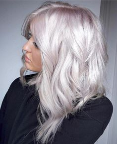 How to Get White Hair: Process From Start to Finish for Dying Hair White - Weißes Haar White Blonde Hair, Platinum Blonde Hair, Pearl Blonde, Silver Platinum Hair, White Hair Highlights, Fall Blonde Hair, Silver Hair Dye, Silver White Hair, Long White Hair