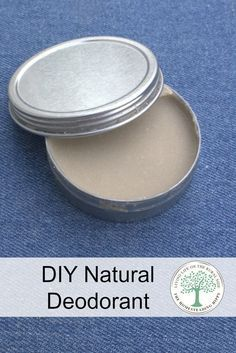 Don't sweat it! Make your own deodorant and stop the stinky funk naturally! Uses all natural ingredients you can be happy about putting on your body! via /homesteadhippy/ Make Your Own Deodorant, Diy Natural Deodorant, Diy Deodorant, Clean Beauty, Diy Beauty, Natural Beauty, Beauty Tips, Savon Soap, Soaps