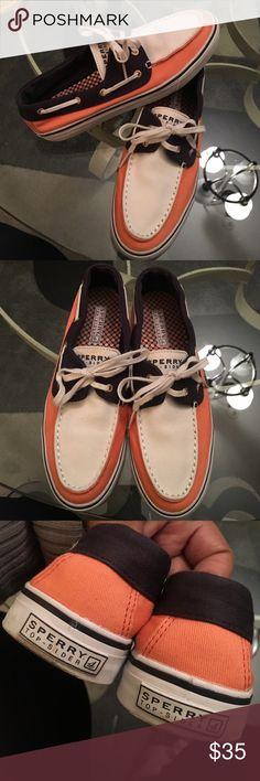 Woman's speery topsider boat shoes Sz 8 Great used condition. No stains. Peach blue and white! So much wear left Sperry Top-Sider Shoes