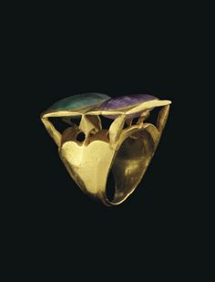 A ROMAN GOLD, AMETHYST AND EMERALD RING -  CIRCA 3RD-4TH CENTURY A.D.  | Christie's