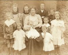 This free Irish genealogy guide will help you to discover your ancestors from Ireland and to better understand their lives and your heritage.
