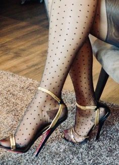 Hot Heels, High Heels Boots, Strappy High Heels, Sexy Legs And Heels, Nylons And Pantyhose, Nylons Heels, Stockings Heels, Nylon Stockings, Talons Sexy
