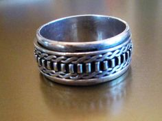 RING - CLASSIC - SPINNING -  spinner - Detailed - Estate Sale  - 925 - Sterling Silver - Size 8 1/4   spinner222 by MOONCHILD111 on Etsy
