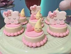 Resultado de imagem para trufas personalizadas chuva de amor Baby Shower Cakes, Beautiful Cakes, Amazing Cakes, Mini Cakes, Cupcake Cakes, 13 Birthday Cake, Oreo Pops, Sugar Cake, Chocolate Covered Oreos