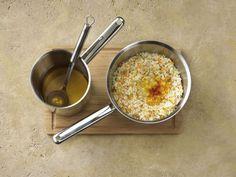 Schön sämig, mit Reiskörnern, die im Kern noch etwas Biss haben – so ist ein Risotto perfekt und wir zeigen wie es geht!