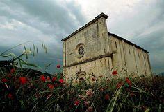 The famouse church of S. Mary here in Navelli La chiesa di Santa Maria delle Grazie di Civitaretenga qui a Navelli!