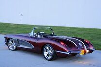 1958 Corvette Combines Old with New Style and Performance – beaux sport voitures 1958 Corvette, Chevrolet Corvette, Jaguar V12, Cool Cars, Sports, Corvettes, Style, Beauty, Hs Sports