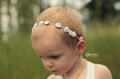 Just be happy!: Dainty Flower Crown Pattern {Free}