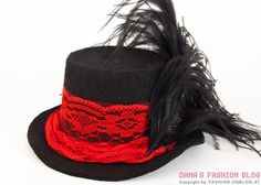 Fascinator DIY tutorial: small hat for fans of steampunk, burlesque, goth or cosplay - Step 20 of 21