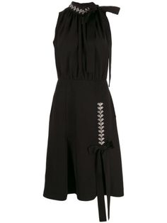 Shop online black Prada embellished detail midi dress as well as new season, new arrivals daily. Phenomenal luxury selection, get it now with quick Global Shipping or Click & Collect orders. Kpop Fashion Outfits, Fashion Dresses, Classy Outfits, Cute Outfits, Fashion Brand, Fashion Design, Black Midi Dress, Italian Fashion, Chic Dress