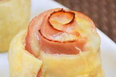 Le rose di sfoglia con prosciutto e provola sono un antipasto sfizioso e semplice da preparare, ma davvero perfetto per stupire i vostri ospiti con originalità. Ecco la ricetta