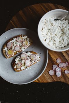 This recipe uses goat's milk in place of regular cow's for a mild goat-y finish, and a consistency closer to a somewhat crumbly chèvre.