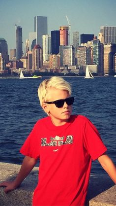 Sup! My name is Carson Lueders! I am a jork! I love singing!! I am 14 years old!Love hanging with my bros.~intro??
