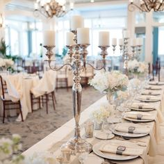 Minimal, Elegant Reception Decor // Anne Liles Photography // Centerpieces: Kim Fisher Designs