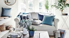 Homelife - 10 Tips To Mix And Match Cushions Like A Pro