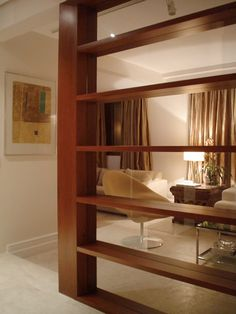 Projeto de Arquitetura de Interiores e reforma desenvolvido para apartamento localizado no Real Parque, em São Paulo - SP, pela Asenne Arquitetura.