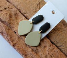 Polymer Clay Crafts, Handmade Polymer Clay, Polymer Clay Jewelry, Diy Clay Earrings, Earrings Handmade, Hoop Earrings, Green Earrings, Terracotta Earrings, Clay Design