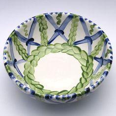 Alle Schüsseln der Familie VertBleu! Die Grün-Blaue Designfamilie von Unikat-Keramik. Das wohl einzigartigste Keramik Geschirr der Welt! Serving Bowls, Plates, Tableware, Design, Blue Green, Dishes, World, Licence Plates, Dinnerware