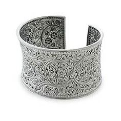 @Overstock.com - Handmade Floral Lace Bracelet (Thailand) - This wide silver cuff curves delicately around the wrist in traditional Thai fashionLavishly adorned with jasmine, it exemplifies Acharas design vision and superb crafting.925 rating silver  http://www.overstock.com/Worldstock-Fair-Trade/Handmade-Floral-Lace-Bracelet-Thailand/2460727/product.html?CID=214117 $184.99