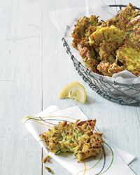 zucchini Ricotta fritters - healthy eating  :: ok so i tried these && either this recipie is bad OR i used to much cheese and that completely messes these up. they didnt come out to good.