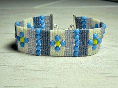 Blue Flower Bead Bracelet / Bead Loom by BeadWorkBySmileyKit