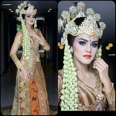 """Kebaya and make up by : aii one wedding galery """"Sunda siger"""""""