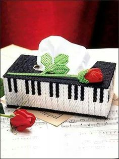 Rose melody tissue box cover piano plastic canvas pattern instruction only