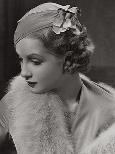 Sari Maritza, 1932. Maritza was a British film actress of the 1930s.