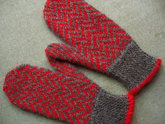 Ravelry: HERRINGBONE MITTENS #mittens #worsted http://www.ravelry.com/patterns/library/herringbone-mittens-with-poms