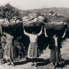 Mulleres na olería de Buño