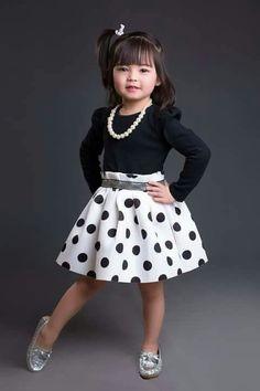 Hxhxh Frocks For Girls, Dresses Kids Girl, Little Girl Outfits, Little Girl Dresses, Kids Outfits, Baby Girl Fashion, Toddler Fashion, Kids Fashion, Kids Dress Wear