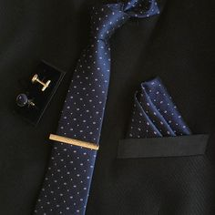 """Mens Fashionable Neckties, A Pocket Square, A Clasp and 2 Cufflinks. Make the occasion special with our great looking Necktie Arrangement made from silk! - Necktie Set - Silk,Polyester - 57"""" long - 3"""""""