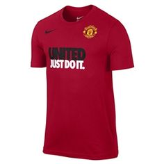 Recognize the color, crest or UNITED. Show your Manchester United pride with this Nike T-shirt. Pick it up at soccercorner.com