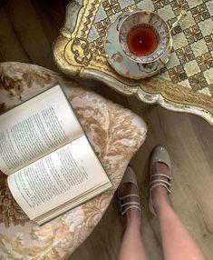 French Models, Lily Rose Depp, Old Money, Ballet, Street Style, Rich Girl, Mood, Poses, Marie Antoinette