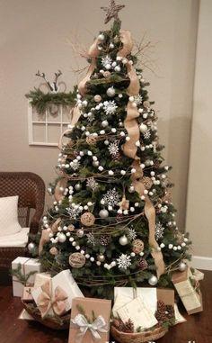 Decorazioni Albero Di Natale.148 Fantastiche Immagini Su Albero Di Natale Con Presepe Nel