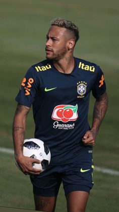 Neymar World Cup Soccer World, Play Soccer, Neymar Jr, Fine Black Men, Fc B, Best Club, Football Wallpaper, Best Player, Football Players