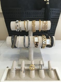 It's Trunk Show Thursday! Gather your #girlsquad for a night of friends and free accessories! #sdtrunkshow