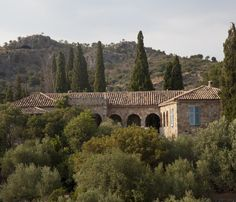 Travel writer Patrick Leigh Fermor's magical life in Greece. Peaceful Places, Beautiful Places, Patrick Leigh Fermor, Humble House, Crete Island, Greek House, Stone Houses, Romanesque, Mediterranean Style