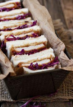 Pork Tonkatsu Sandwiches (Katsu Sando) - perfect for picnics or BBQs. Sandwich Recipes, Snack Recipes, Cooking Recipes, Savory Snacks, Delicious Burgers, Delicious Sandwiches, Sandwiches For Lunch, Wrap Sandwiches, Pizza