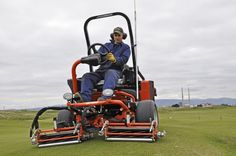 Paddy Teeling, Links Superintendent at The Royal Dublin Golf Club, has selected the Jacobsen GP400 ride-on triplex mower as his preferred option for maintaining the greens surrounds and approaches at the renowned course.