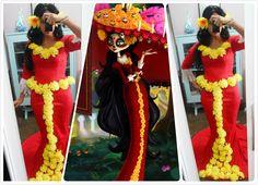 cosplay La Muerte - The Book of Life Diy Decoration, Diy Halloween Decorations, Halloween Books, Halloween Diy, Book Of Life Costume, Halloween Cosplay, Halloween Costumes, Spooky 2, Moms 50th Birthday