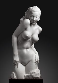 Sculpture by Zhong Zhiyuan Human Sculpture, Sculpture Clay, Female Poses, Female Art, Arte Fashion, Traditional Sculptures, Gothic, La Art, Contemporary Sculpture