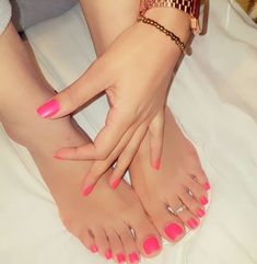 Pink Toe Nail Art Ideas to Copy 55 Pink Toe Nail Art Ideen zum Kopieren 23 Pink Toe Nails, Pretty Toe Nails, Cute Toe Nails, Pink Toes, Sexy Nails, Cute Toes, Sexy Toes, Pretty Toes, Toe Nail Art