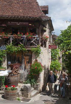Saint-Cirq-Lapopie (Le Plus Beaux Village de France), Lot, Tour-de-Faure, Midi-Pyrenees_ France