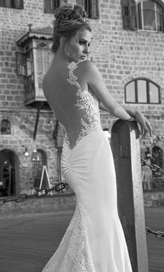 f58c7efc296b6 Galia Lahav Antonia 4  buy this dress for a fraction of the salon price on
