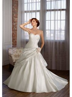 Ball Gowne Silky Organza Removable Flowers Ruching Bodice Sweetheart Strapless Neckline Chapel Train Wedding Dresses